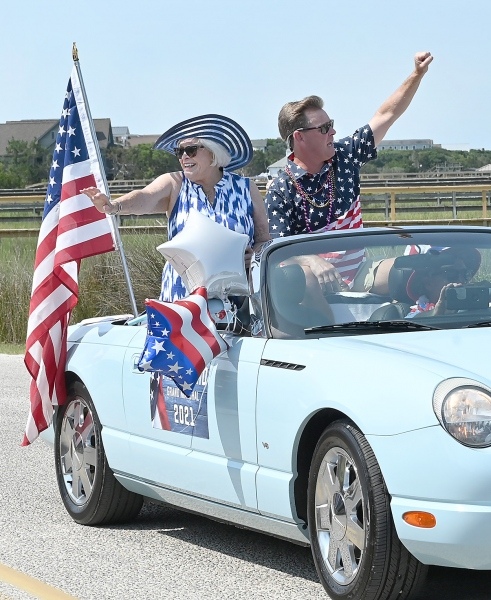 The grand marshal, Fran Ward, with Mayor Brian Henry.